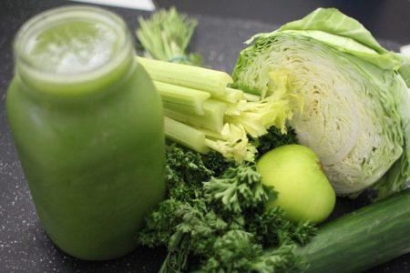 セロリ_green-juice-769129_640