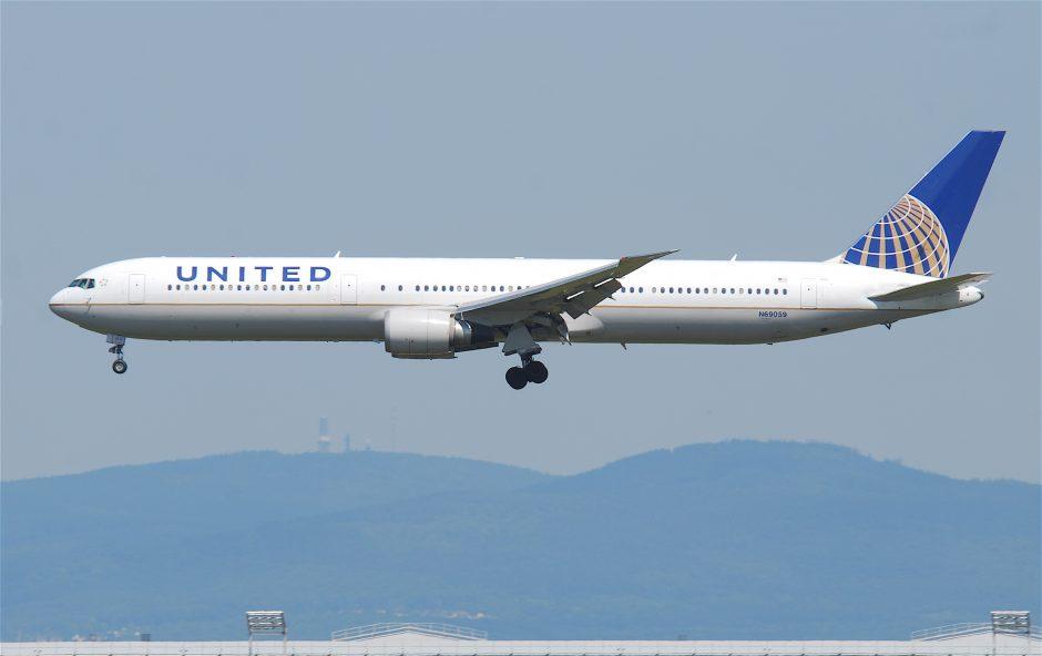United_Airlines_Boeing_767-400;_N69059@FRA;16.07.2011_609dx_(6189958789)