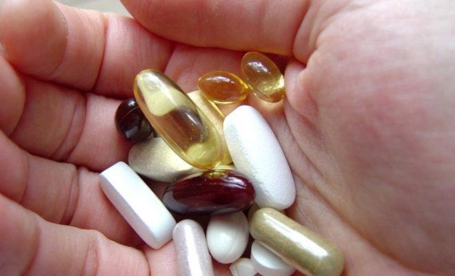 hand, full, pills