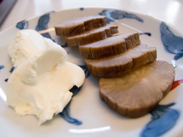 いぶりがっこのクリームチーズ添え@渥美