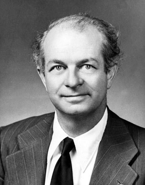 Dr. Linus Pauling in 1960. Pauling is the winner of the Nobel Prize in Chemistry for 1954 and recipient of the Nobel Peace Price in 1963.