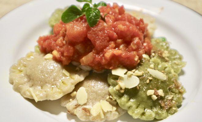 ラビオリ トマト1