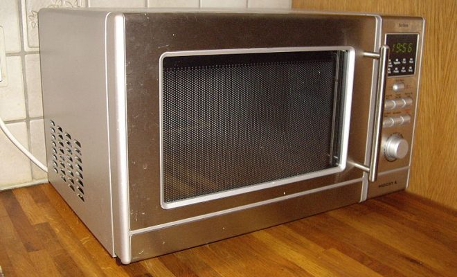 800px-Microwave_oven