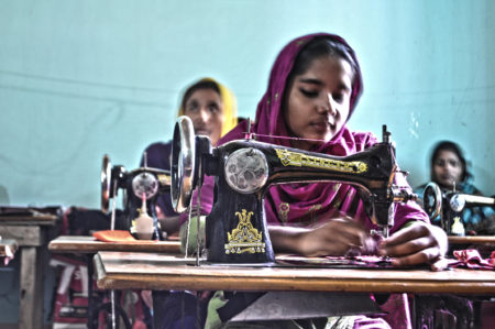 bangladeshi_women_sewing_clothes