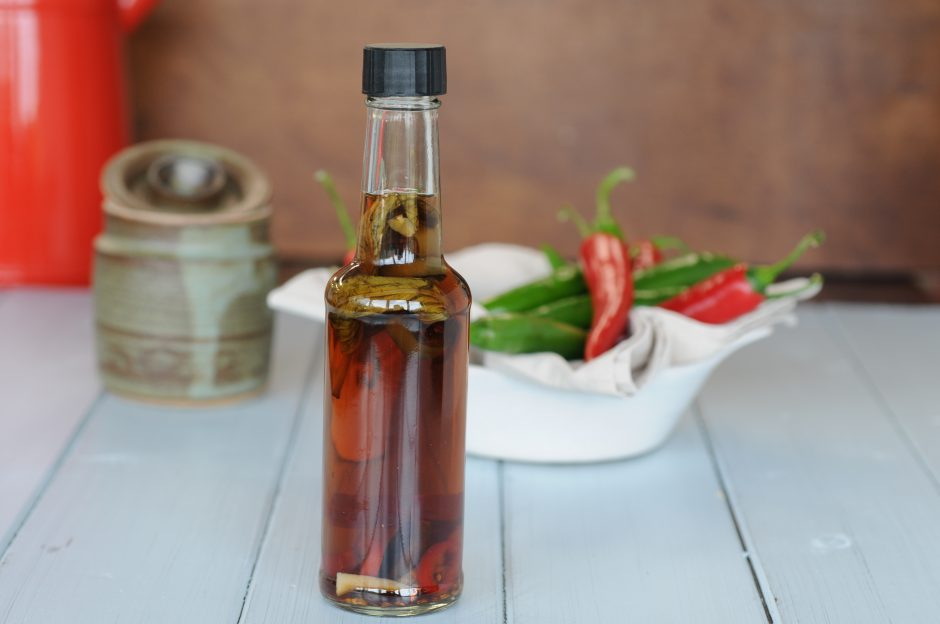 Goddard's_Pies_chilli_vinegar_bottle