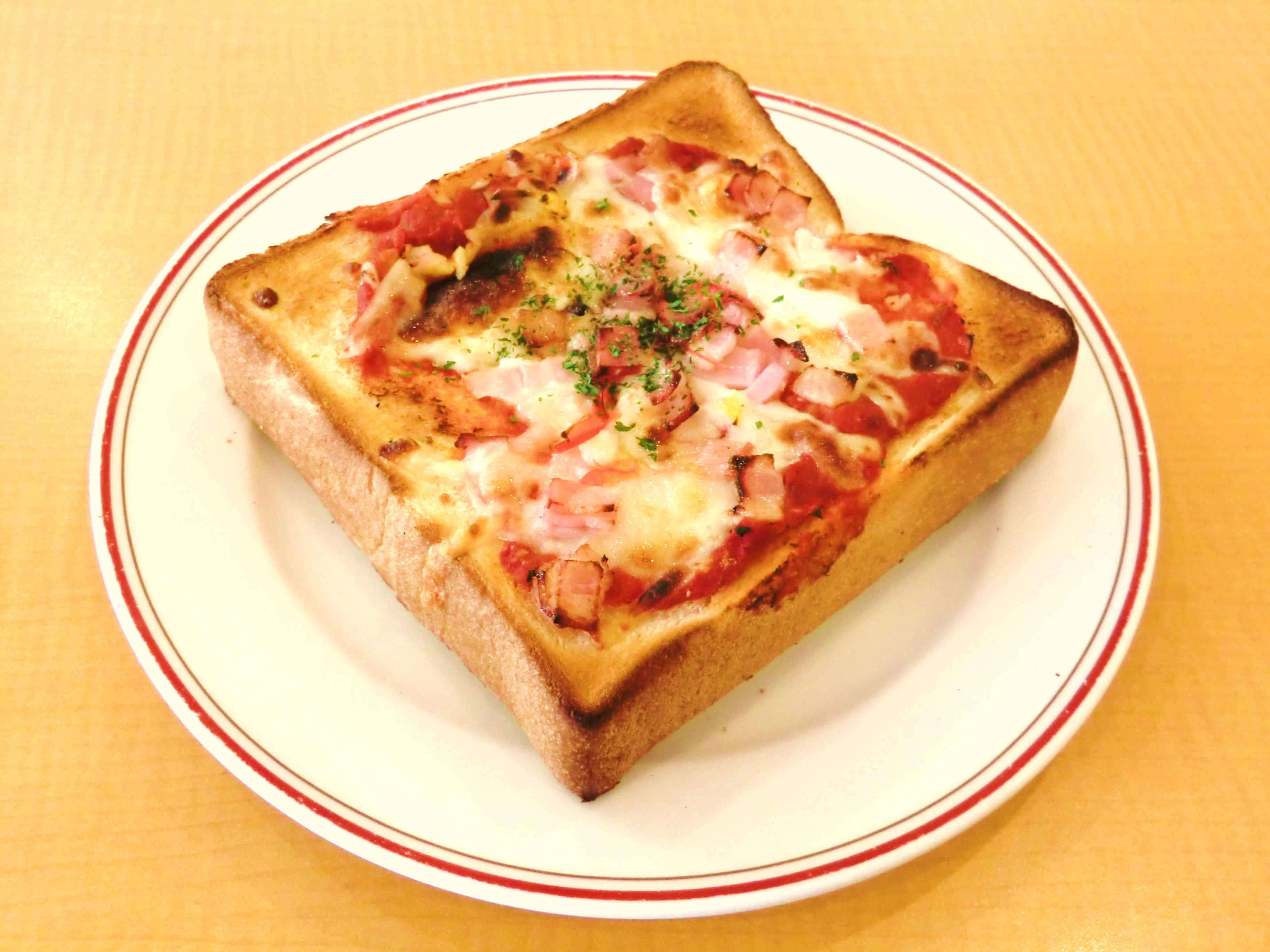Pizza_toast,_at_Gusto