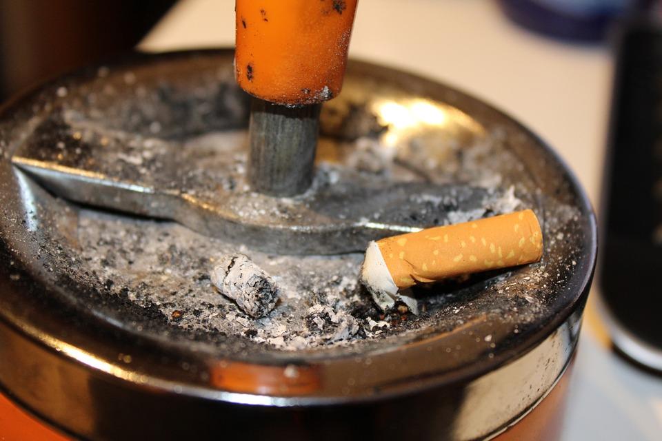 ashtray-525900_960_720