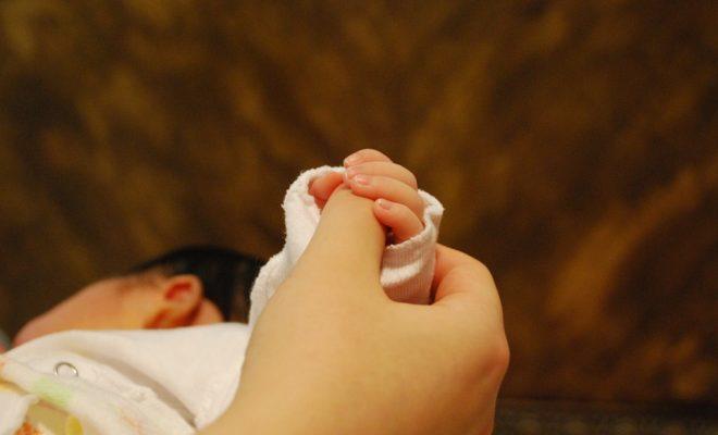 baby-hands-251273_960_720