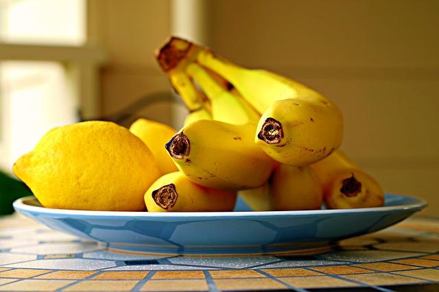 bananas-2825846_640