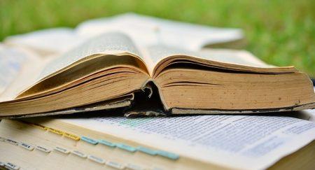 book-2484855_640