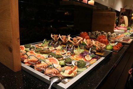 buffet-2251676__340