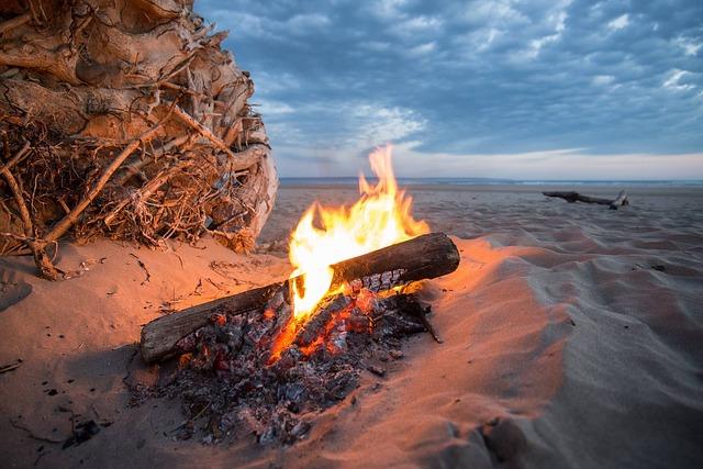 campfire-840542_640