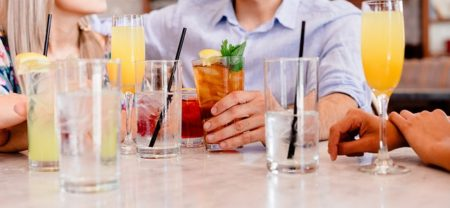 cocktails-1149171_640