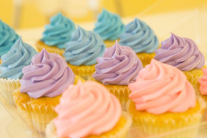 cupcakes-2285209__480-1