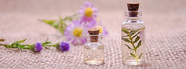 essential-oils-3084952_640