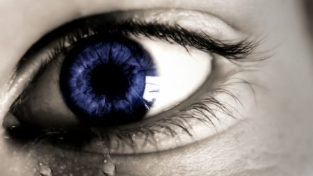 eye-1210172_640