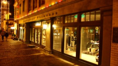 店終了夜画像