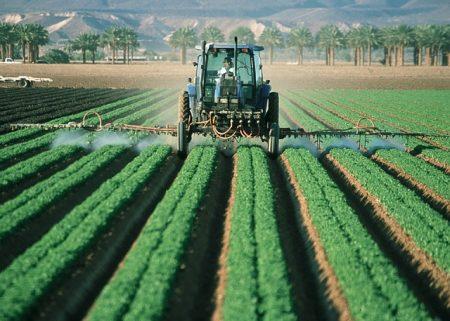 farmer-880567_640-1