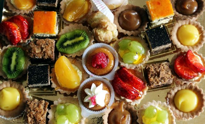 food-sweets-cakes-theme-overhead-73019