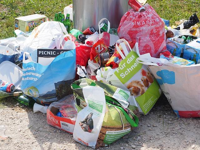 garbage-1260833_640
