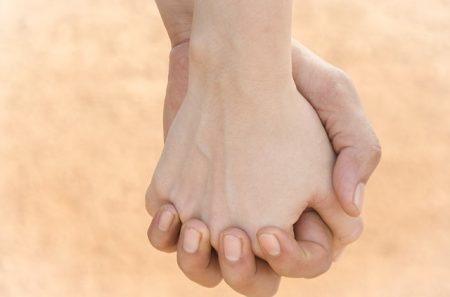 hands-3587907_640