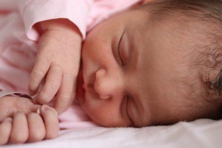 little-girl-1381471_640