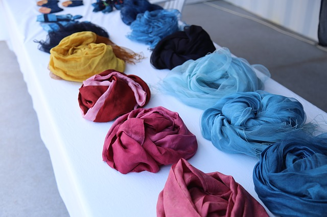 natural-dyed-cloth-1568967_640