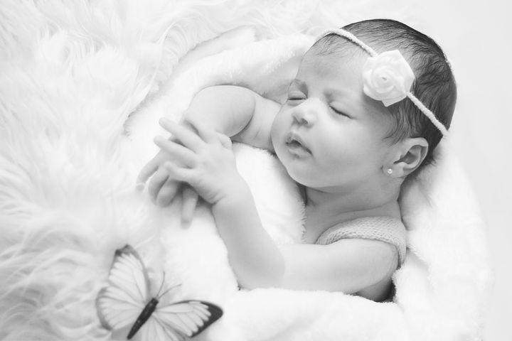 newborn-3192311__480