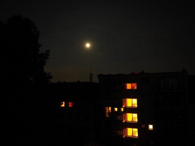 night-694036_960_720