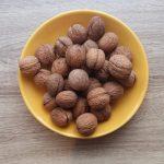 nuts-3310512_960_720
