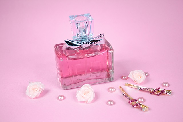 perfume-1922968_640
