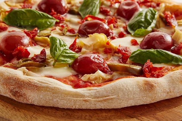 pizza-3000273_640