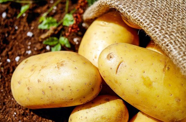 potatoes-1585060_640