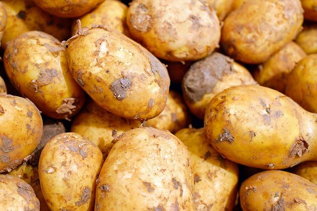 potatoes-2329648_640