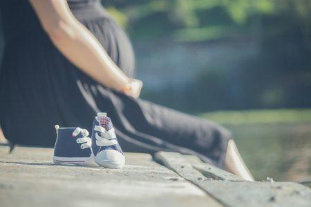 pregnant-2720433_640