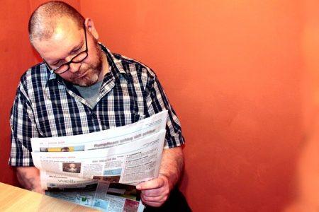 read-newspaper-277060_640