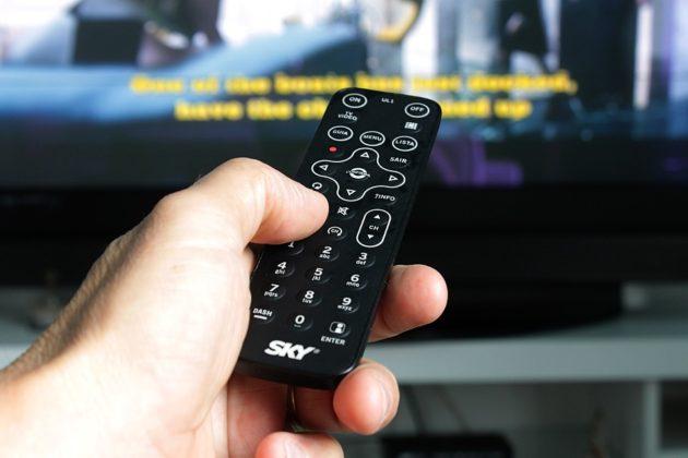 remote-control-2717777_960_720