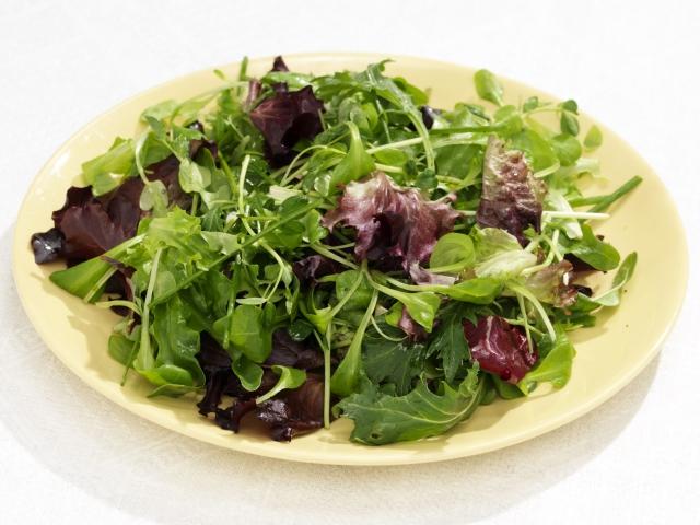 s_Easter_07_salad