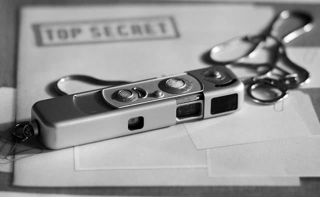 spy-camera-1702973_640