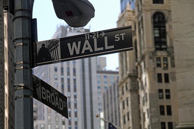stock-exchange-1376107_640