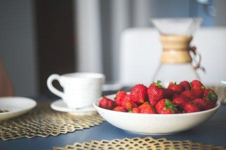 strawberries-869198_640