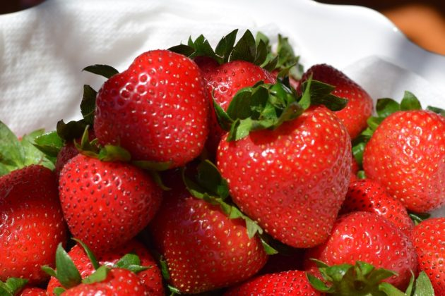 strawberry-2460088_960_720