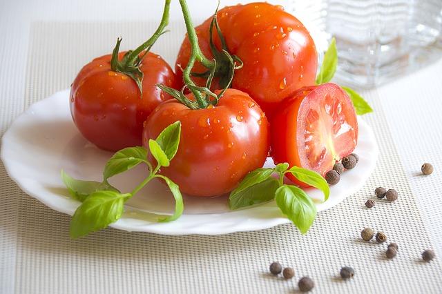 summer-food-1324396_640