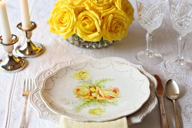 table-setting-2107600_640