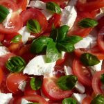 tomato-and-mozzarella-salad-8830_640