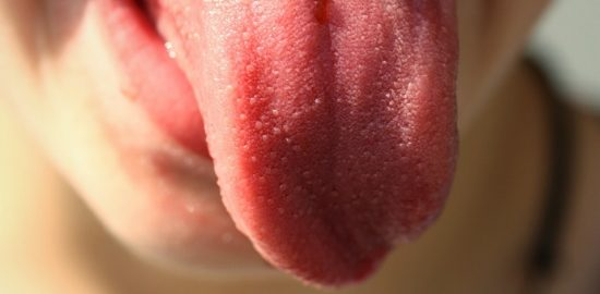 tongue-822441_960_720-min