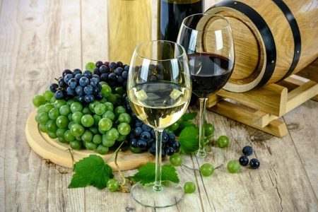 two-types-of-wine-1761613_640