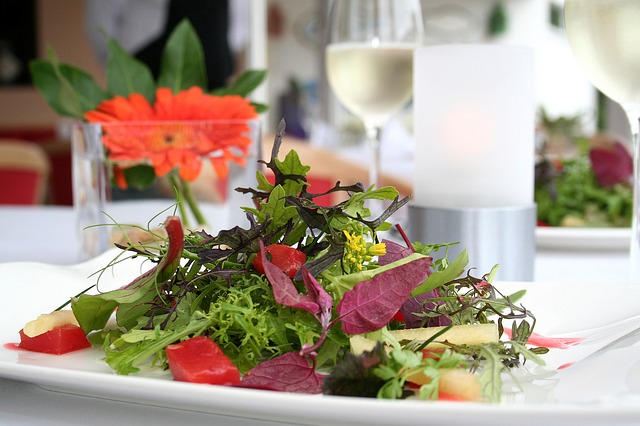 wild-herbs-salad-2267949_640