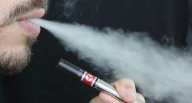 """議論の進む""""電子タバコの害""""について。非喫煙者にも悪影響がある驚愕の事実!"""