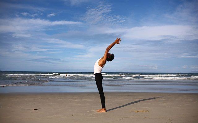 yoga-2221598_640